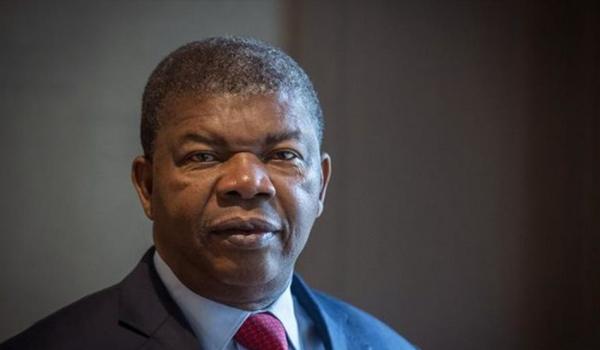 embajadadeangola-angola-presidente-biografia